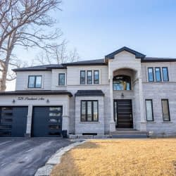 House of the Week: $2.8 Mil Spectacular Oakville Home