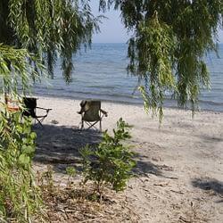 Burlington mayor responds to resident concerns regarding 'sludge' at Beachway Park