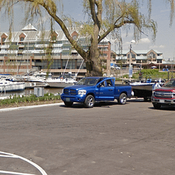 Oakville council squashes proposal to charge visitors for parking at waterfront parks
