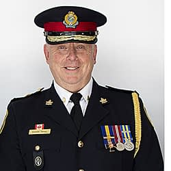 Police Chief Steve Tanner will stay on the job in Halton Region