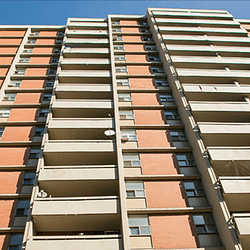 COVID-19: Outbreak at downtown Hamilton apartment building worsens